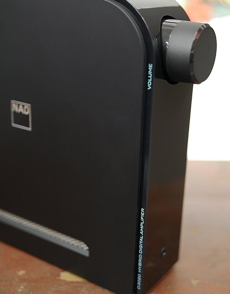 Review: NAD D 3020 V2 Stereo integrated amplifier with built